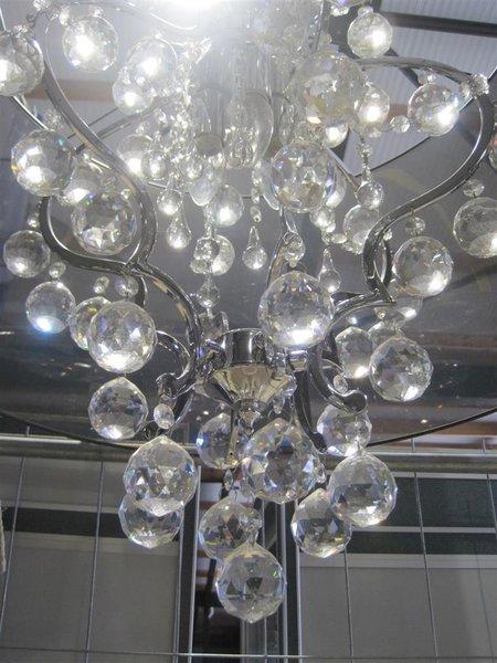 Hedendaags Hanglamp met glazen bollen en zwarte kunststof kap, afm. hxb ca EF-23