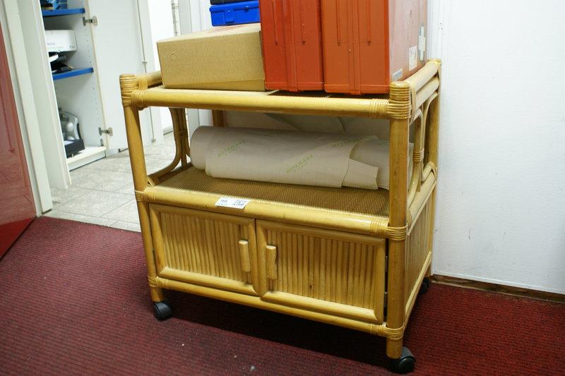 Verrijdbare Tv Kast : Tv meubel bamboe verrijdbaar hxbxd ca cm