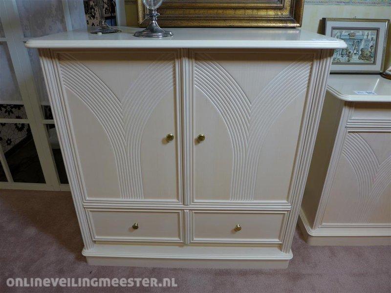 Kast White Wash : Tv kast houtkleur white wash inschuifdeur klep