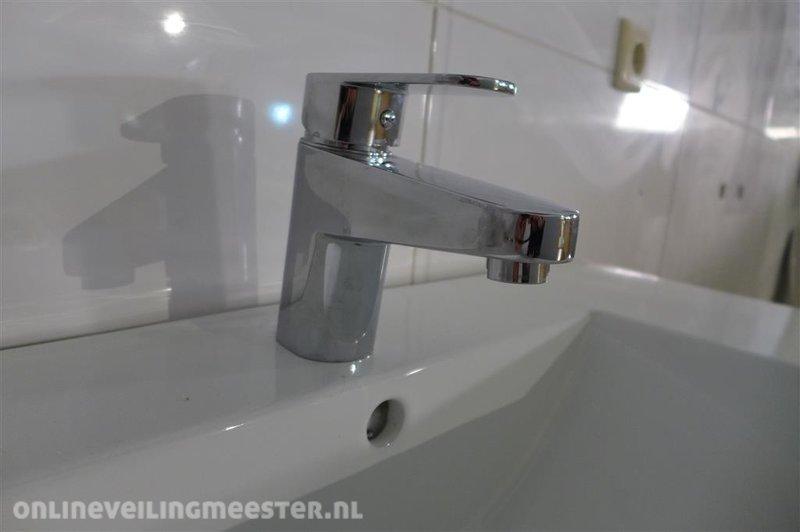 Badkamermeubel inclusief wastafel en wastafelkraan houtdecor vrij