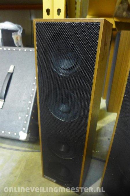 3x Speaker Beyerdynamice2900 Hoog Model Houtkleurige Kast