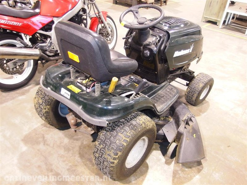 Lawn tractor Bolens BL 175 / 107T, green