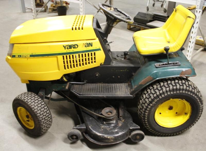 Wonderlijk Zitmaaier Yard-man. motor: 20 Pk. B&S Vanguard 2-cil, aandrijving QP-09
