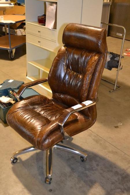 Directie Bureau Stoel.Directie Bureaustoel Bruin Leder In Hoogte Verstelbaar Kantelbaar