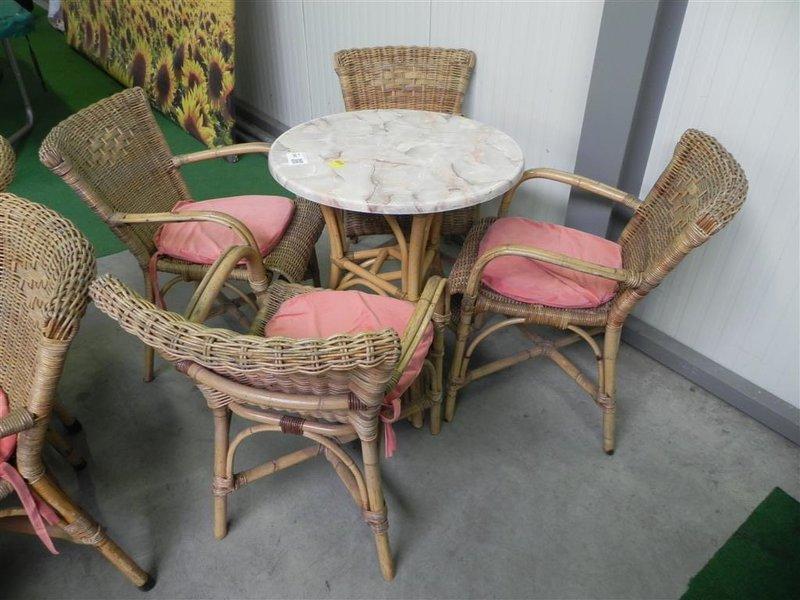Rotan tafel rond tafelblad gemarmerd wurzalit rotan stoel